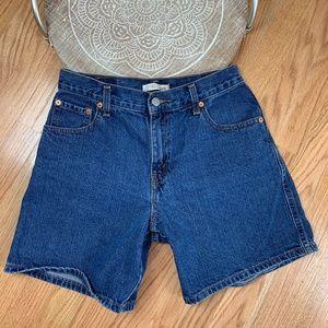 Levi's Relaxed Shorts 550 Vintage Medium Wash 27